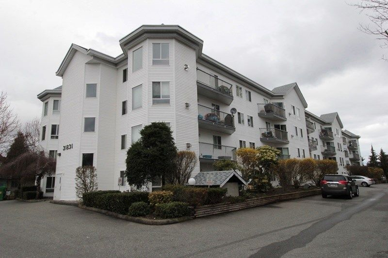 "Main Photo: 211 31831 PEARDONVILLE Road in Abbotsford: Abbotsford West Condo for sale in ""West Point Villa"" : MLS®# R2250903"