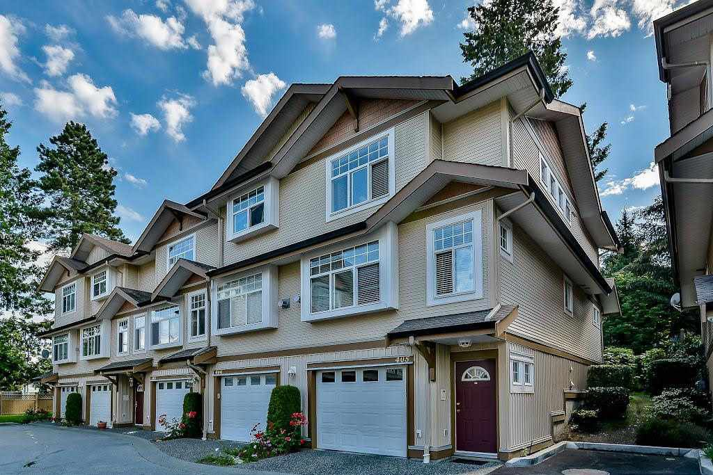 Main Photo: 405 9580 PRINCE CHARLES BOULEVARD in : Queen Mary Park Surrey Townhouse for sale (Surrey)  : MLS®# R2085578