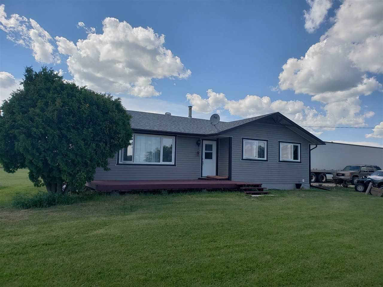 Main Photo: 55020 Range Road 74: Rural Yellowhead House for sale : MLS®# E4117838