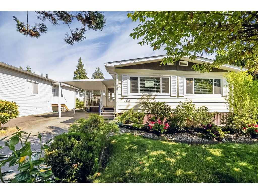 "Main Photo: 186 3665 244 Street in Langley: Otter District Manufactured Home for sale in ""LANGLEY GROVE ESTATES"" : MLS®# R2340190"