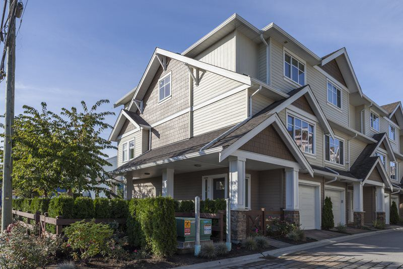 "Main Photo: 44 12351 NO 2 Road in Richmond: Steveston South Townhouse for sale in ""SOUTHPOINTE COVE"" : MLS®# R2008846"