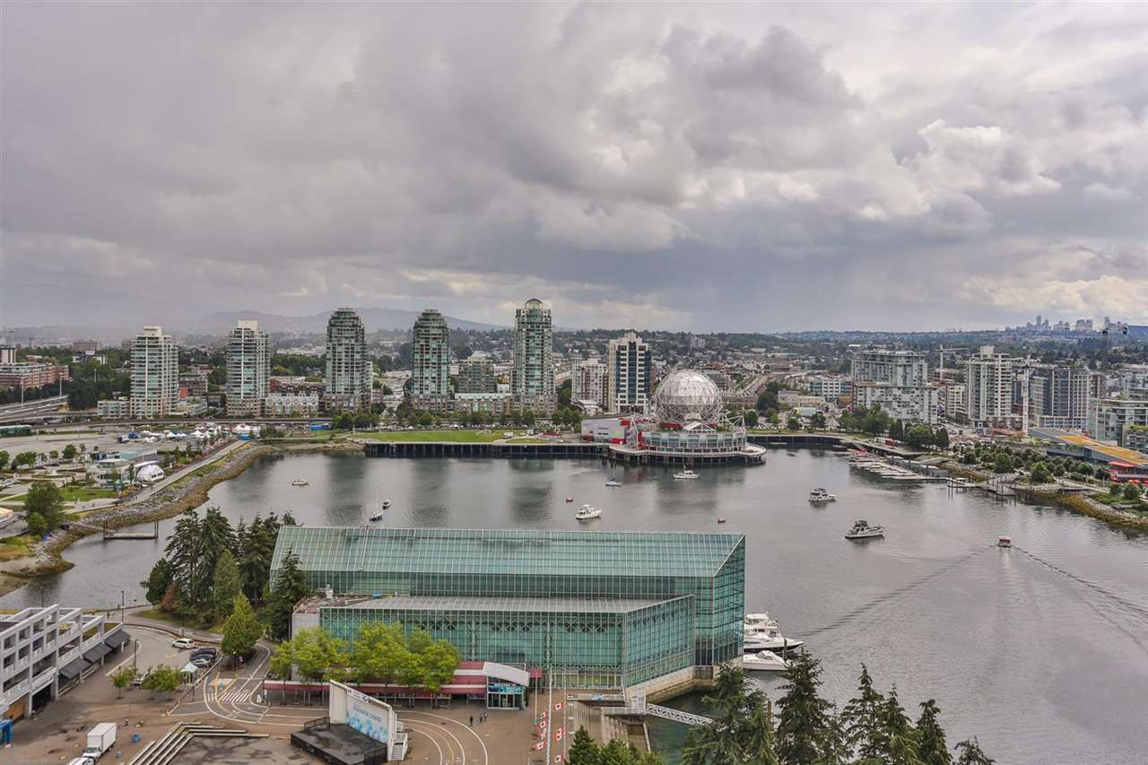 """Main Photo: 2901 33 SMITHE Street in Vancouver: Yaletown Condo for sale in """"COOPERS LOOKOUT"""" (Vancouver West)  : MLS®# R2097827"""