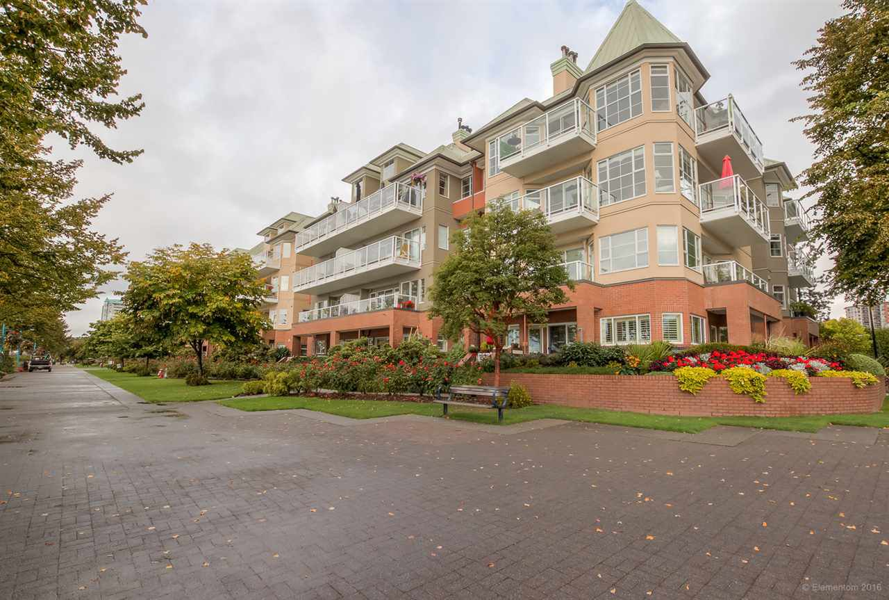"Main Photo: 205 12 K DE K Court in New Westminster: Quay Condo for sale in ""DOCKSIDE"" : MLS®# R2109993"