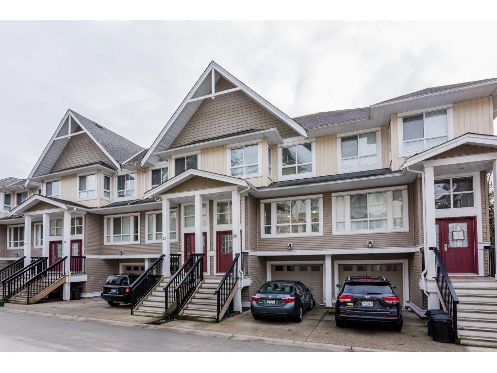 """Main Photo: 26 20159 68 Avenue in Langley: Willoughby Heights Townhouse for sale in """"VANTAGE"""" : MLS®# R2133104"""