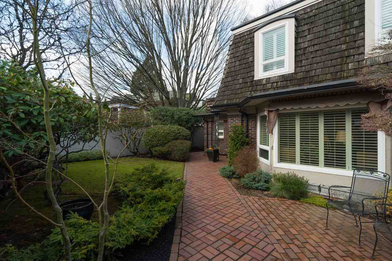"""Main Photo: 1443 MCRAE Avenue in Vancouver: Shaughnessy Townhouse for sale in """"MCRAE MEWS"""" (Vancouver West)  : MLS®# R2140169"""