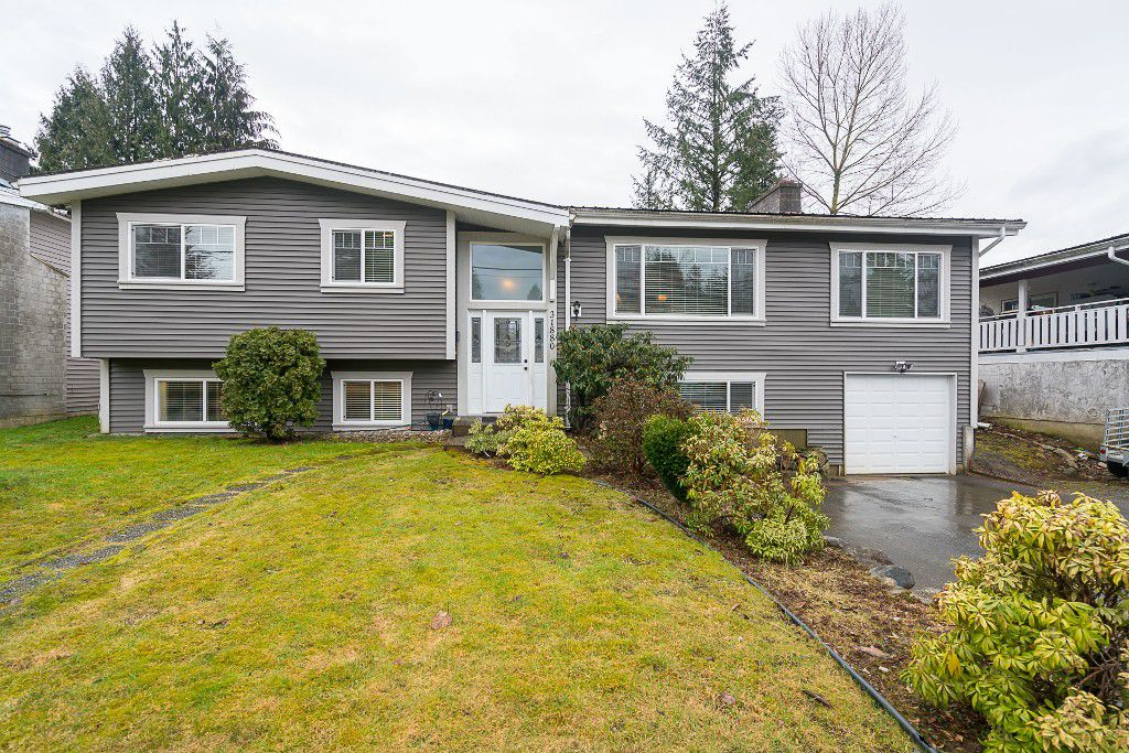 """Main Photo: 31880 QUAIL in Mission: Mission BC House for sale in """"West Heights"""" : MLS®# R2145763"""