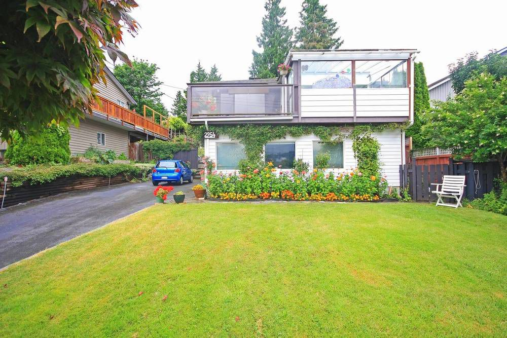 Main Photo: 2954 DOLLARTON Highway in North Vancouver: Home for sale : MLS®# V1077194