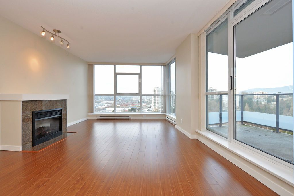 """Main Photo: 1906 5611 GORING Street in Burnaby: Central BN Condo for sale in """"LEGACY"""" (Burnaby North)  : MLS®# R2178536"""