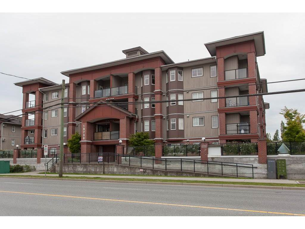 """Main Photo: 402 19730 56 Avenue in Langley: Langley City Condo for sale in """"Madison Place"""" : MLS®# R2178956"""