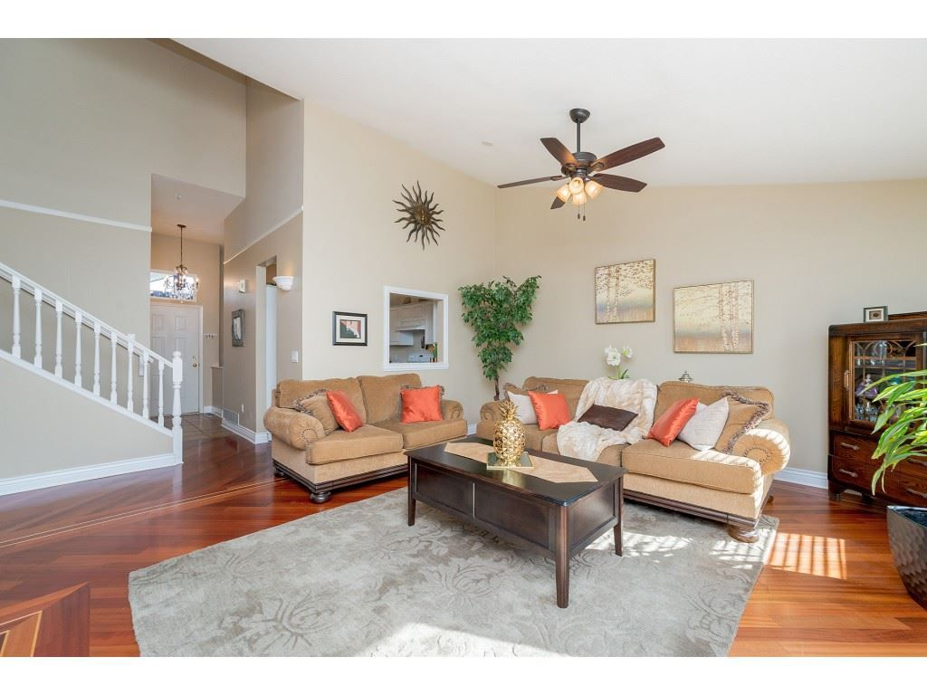 """Main Photo: 7 20222 96 Avenue in Langley: Walnut Grove Townhouse for sale in """"Windsor Gardens"""" : MLS®# R2248517"""
