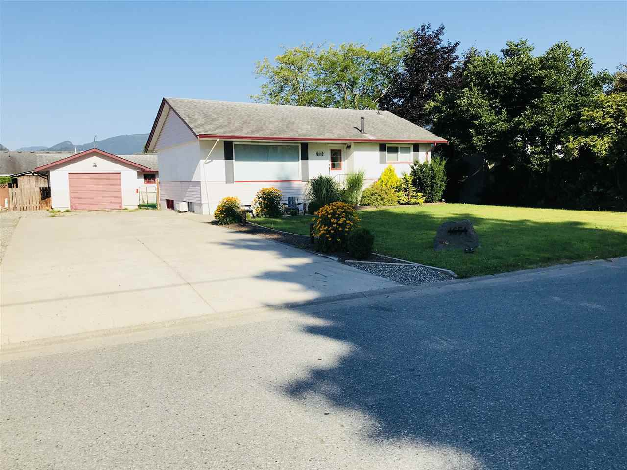 Main Photo: 1651 PARKWOOD Drive: Agassiz House for sale : MLS®# R2292528