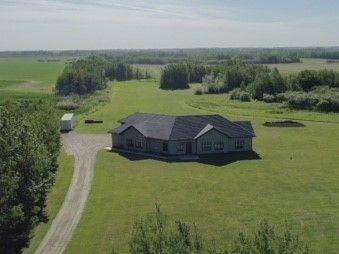 Main Photo: 54415 RR 261: Rural Sturgeon County House for sale : MLS®# E4132418