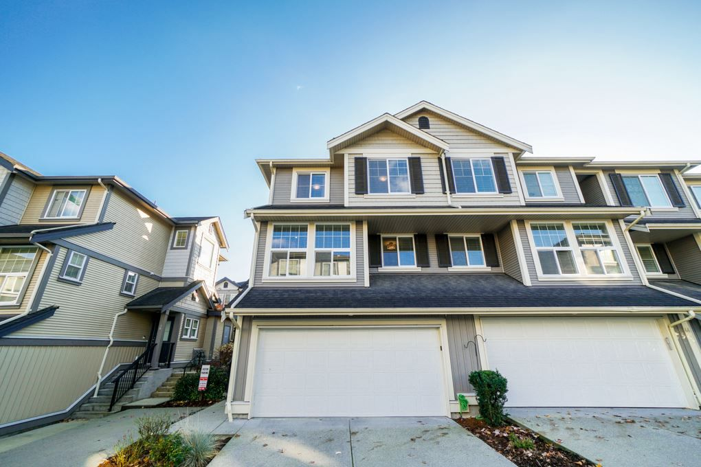 """Main Photo: 45 20831 70 Avenue in Langley: Willoughby Heights Townhouse for sale in """"Radius"""" : MLS®# R2321834"""