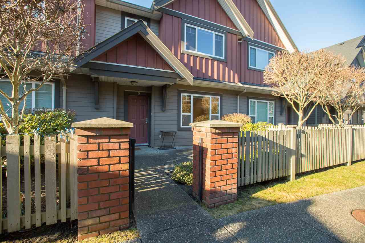 "Main Photo: 9 9699 SILLS Avenue in Richmond: McLennan North Townhouse for sale in ""KINSBRIDGE"" : MLS®# R2326507"