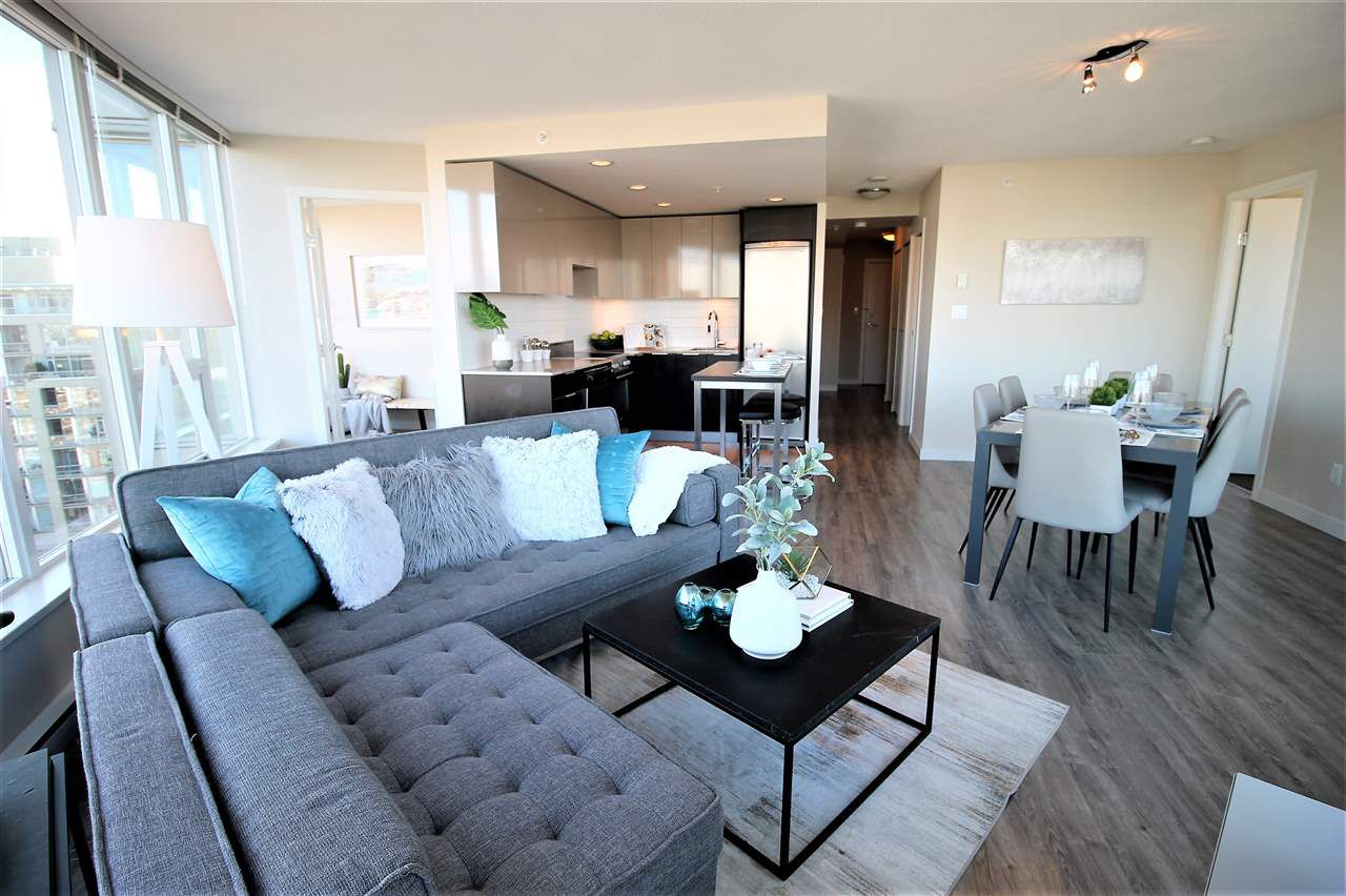 """Main Photo: 1004 445 W 2ND Avenue in Vancouver: False Creek Condo for sale in """"The Maynard's Block"""" (Vancouver West)  : MLS®# R2338031"""