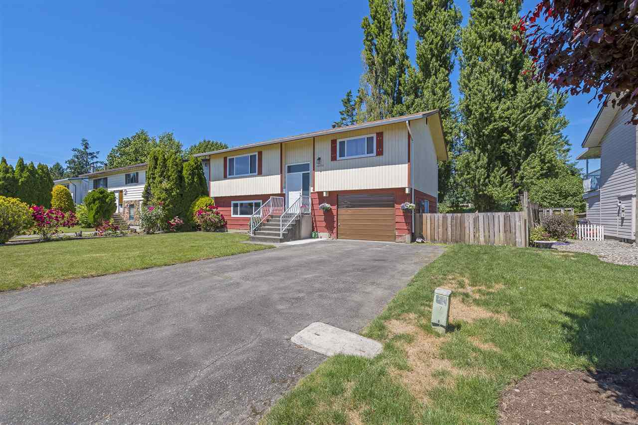 Main Photo: 46689 BALSAM Avenue in Chilliwack: Chilliwack E Young-Yale House for sale : MLS®# R2381048