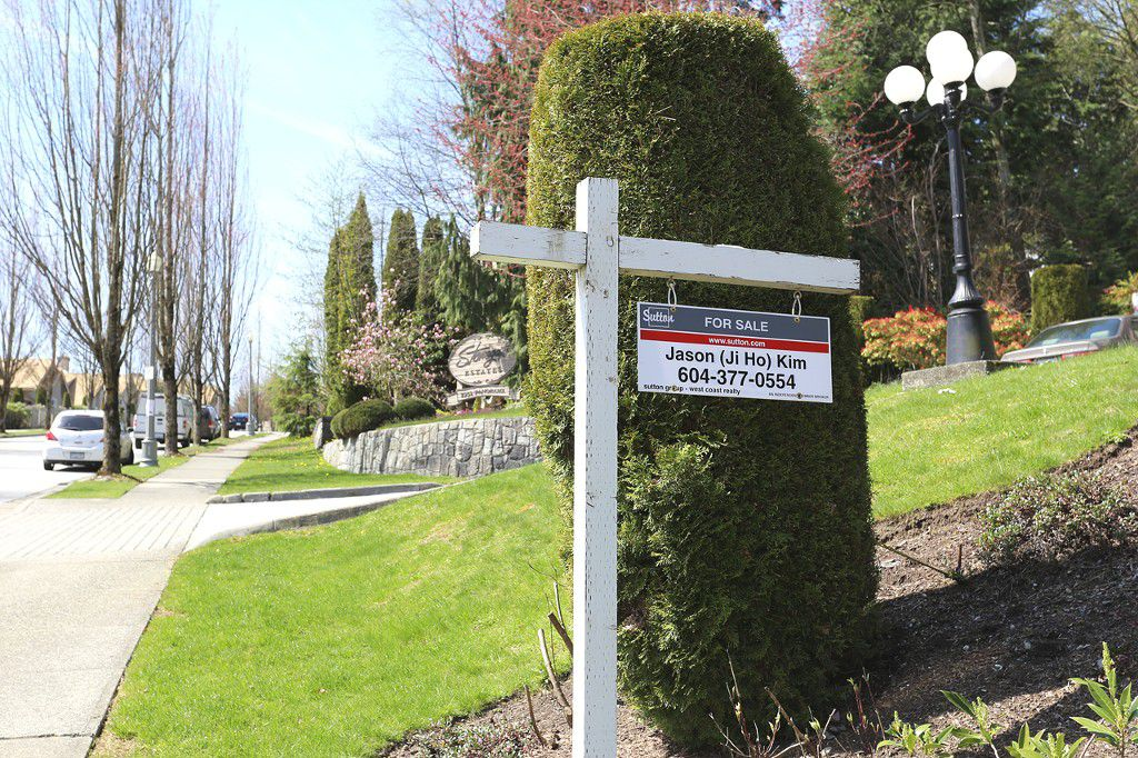 "Main Photo: 9 2951 PANORAMA Drive in Coquitlam: Westwood Plateau Townhouse for sale in ""STONEGATE ESTATE"" : MLS®# V1058363"