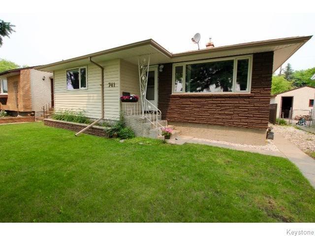 Main Photo: 741 Ravelston Avenue West in WINNIPEG: Transcona Residential for sale (North East Winnipeg)  : MLS®# 1518355