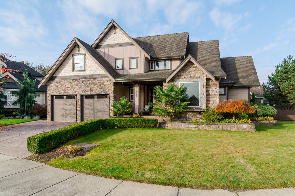 """Main Photo: 20424 98A Avenue in Langley: Walnut Grove House for sale in """"YORKSON GROVE"""" : MLS®# R2010717"""