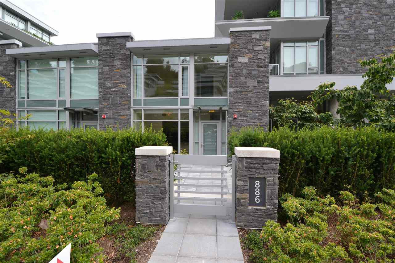 Main Photo: 886 ARTHUR ERICKSON Place in West Vancouver: Park Royal Condo for sale : MLS®# R2078041