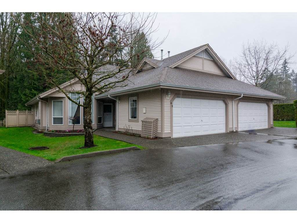 "Main Photo: 69 9025 216 Street in Langley: Walnut Grove Townhouse for sale in ""Coventry Woods"" : MLS®# R2150562"