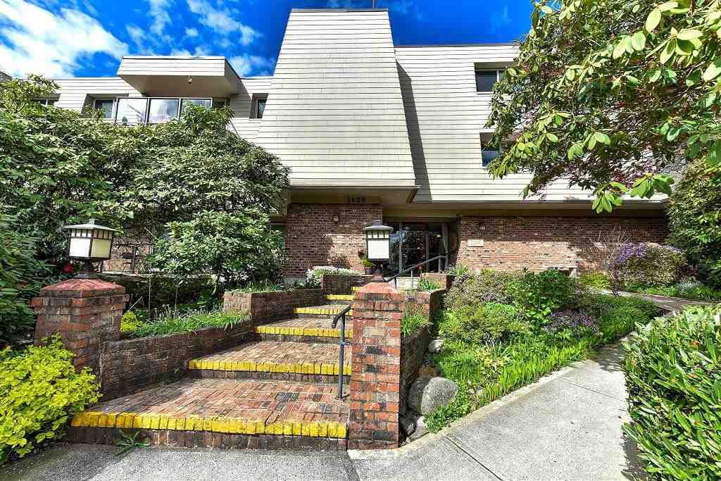 "Main Photo: 205 1429 MERKLIN Street: White Rock Condo for sale in ""Kensington Manor"" (South Surrey White Rock)  : MLS®# R2160383"