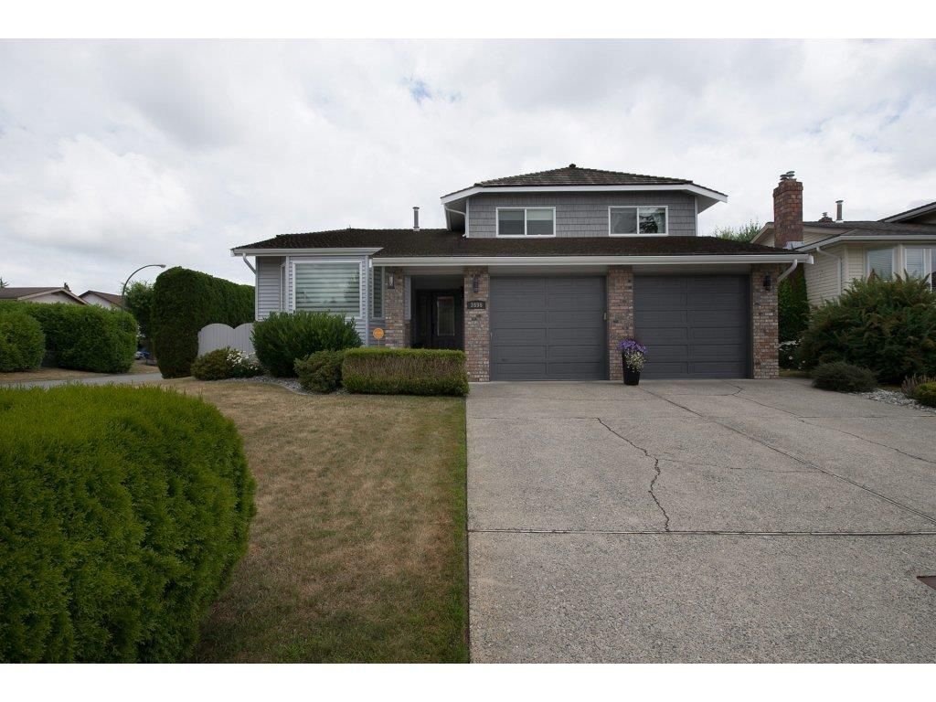 "Main Photo: 3696 NICOLA Street in Abbotsford: Central Abbotsford House for sale in ""Parkside Estates"" : MLS®# R2190095"