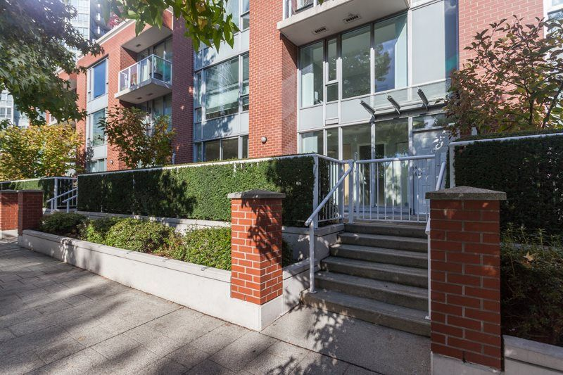 Main Photo: 47 KEEFER Place in Vancouver: Downtown VW Townhouse for sale (Vancouver West)  : MLS®# R2214665