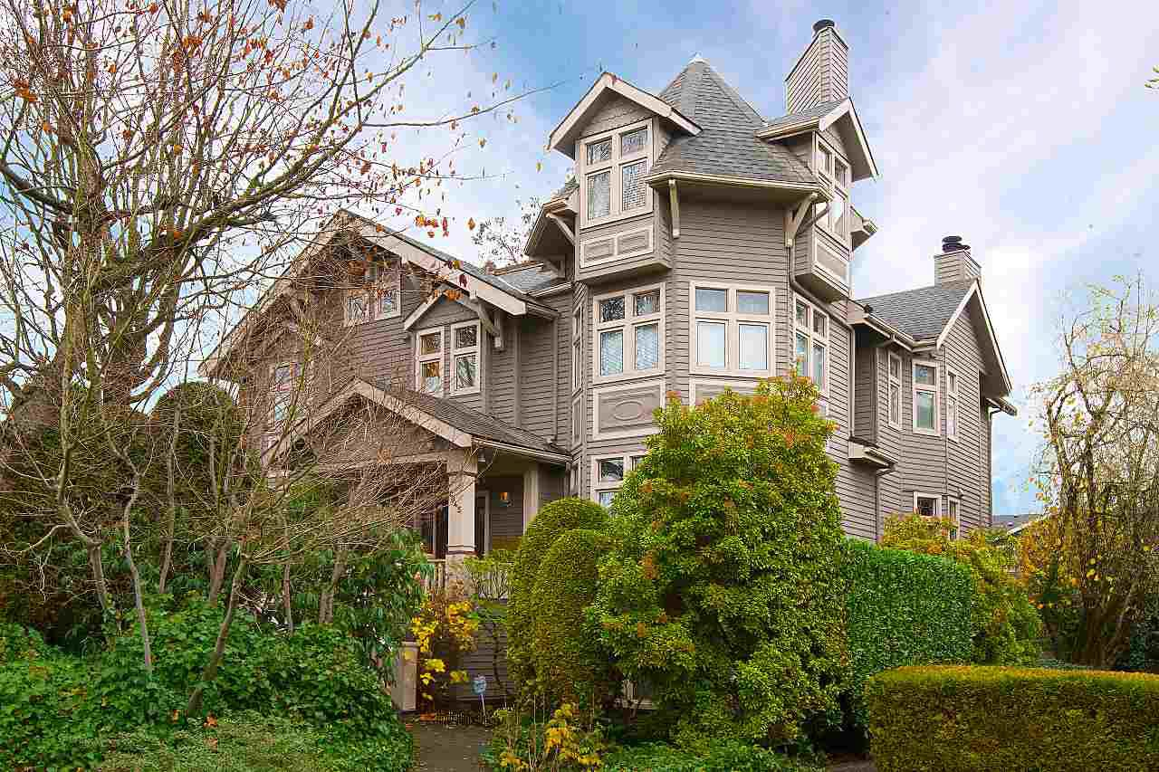 Main Photo: 4 1945 W 12TH Avenue in Vancouver: Kitsilano Townhouse for sale (Vancouver West)  : MLS®# R2224783