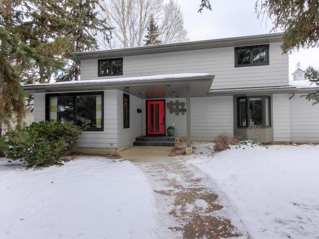 Main Photo: 208 BRANDER Drive in Edmonton: Zone 14 House for sale : MLS®# E4135574