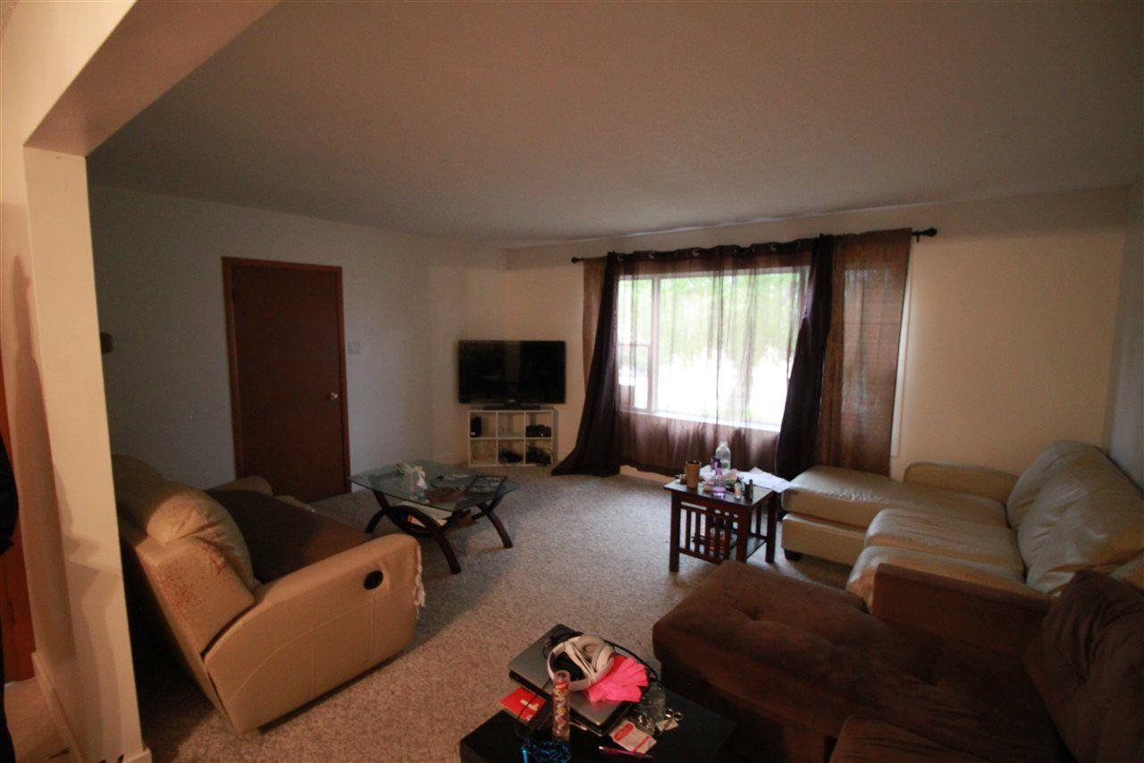 Photo 3: Photos: 13320 127 Street in Edmonton: Zone 01 House Duplex for sale : MLS®# E4136004