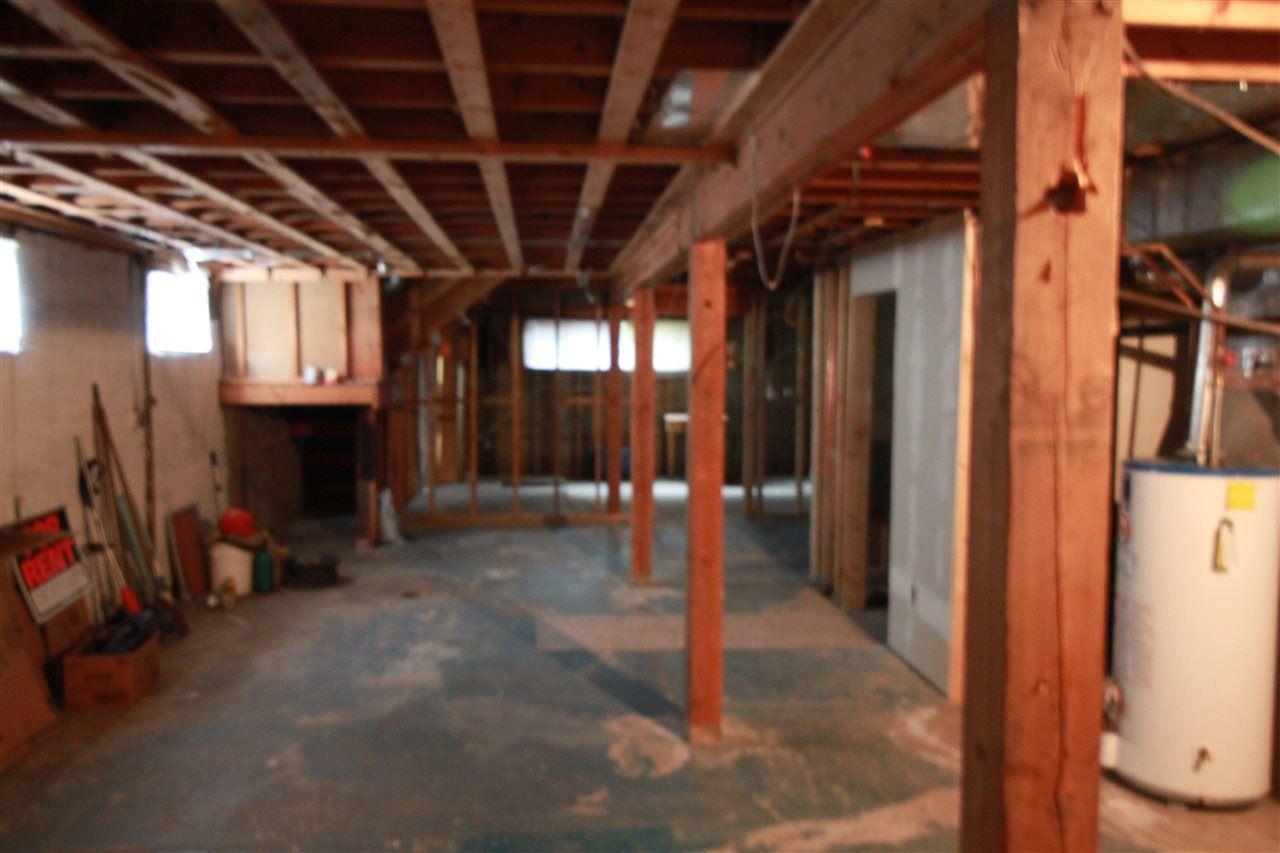 Photo 13: Photos: 13320 127 Street in Edmonton: Zone 01 House Duplex for sale : MLS®# E4136004