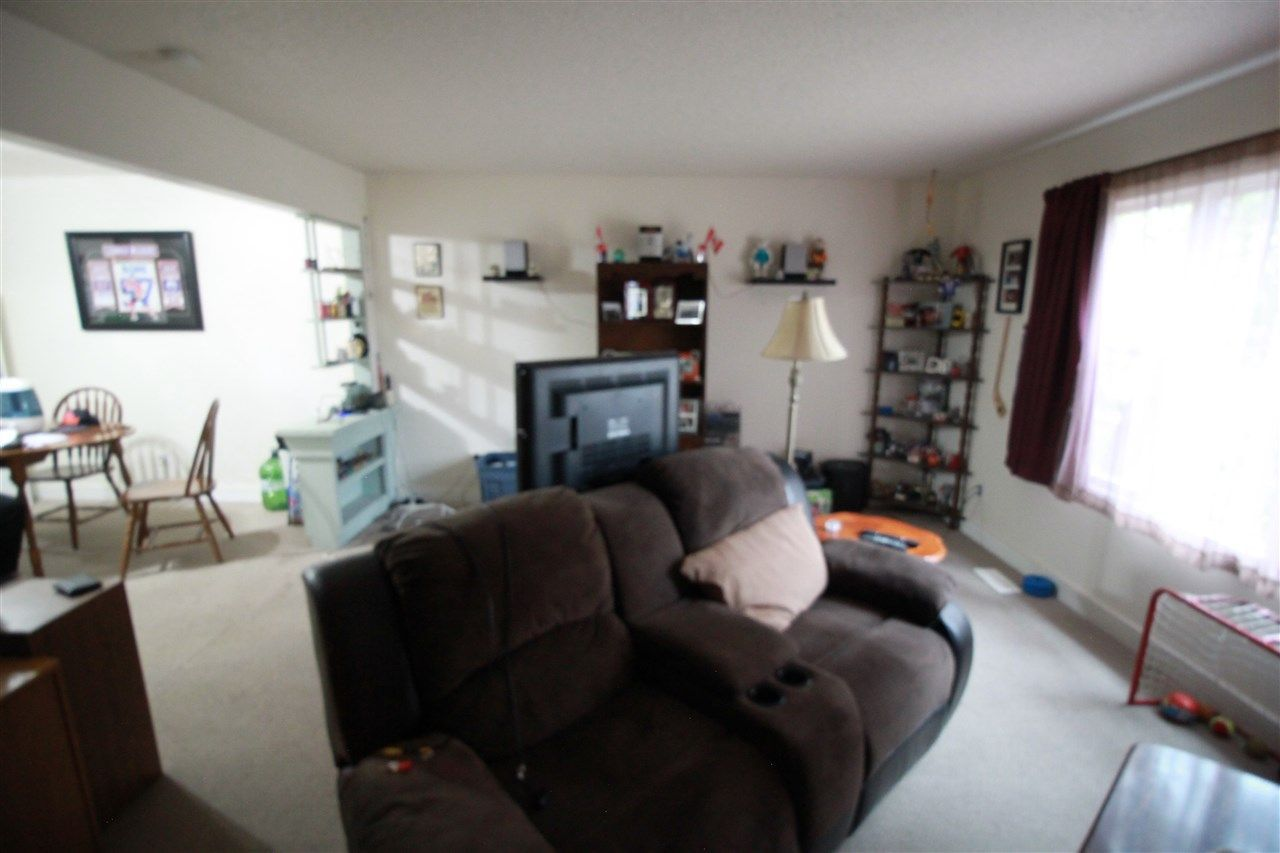 Photo 14: Photos: 13320 127 Street in Edmonton: Zone 01 House Duplex for sale : MLS®# E4136004