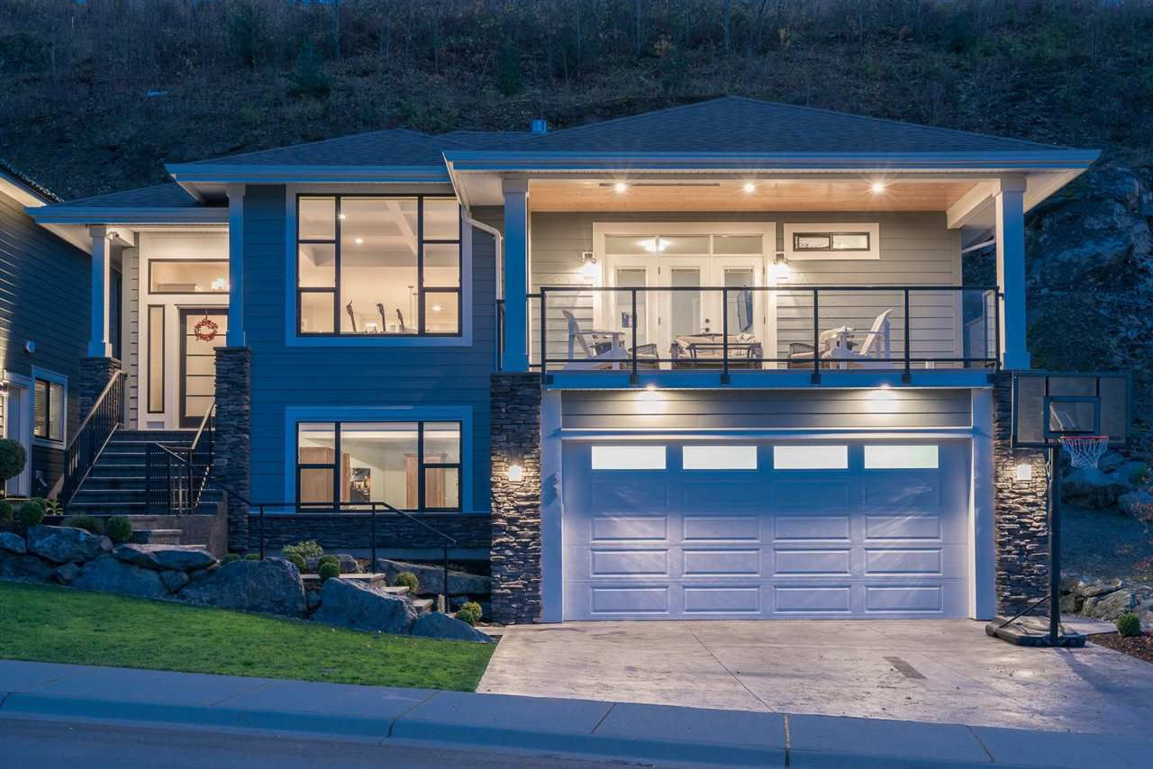 "Main Photo: 68 50778 LEDGESTONE Place in Chilliwack: Eastern Hillsides House for sale in ""SUNRIDGE"" : MLS®# R2325999"
