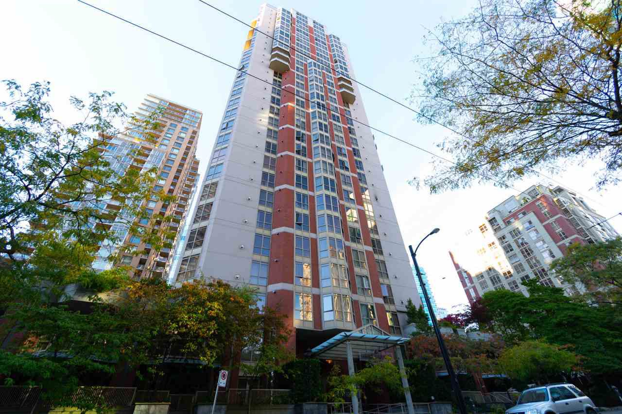 """Main Photo: 1605 867 HAMILTON Street in Vancouver: Downtown VW Condo for sale in """"JARDINES LOOKOUT"""" (Vancouver West)  : MLS®# R2346062"""