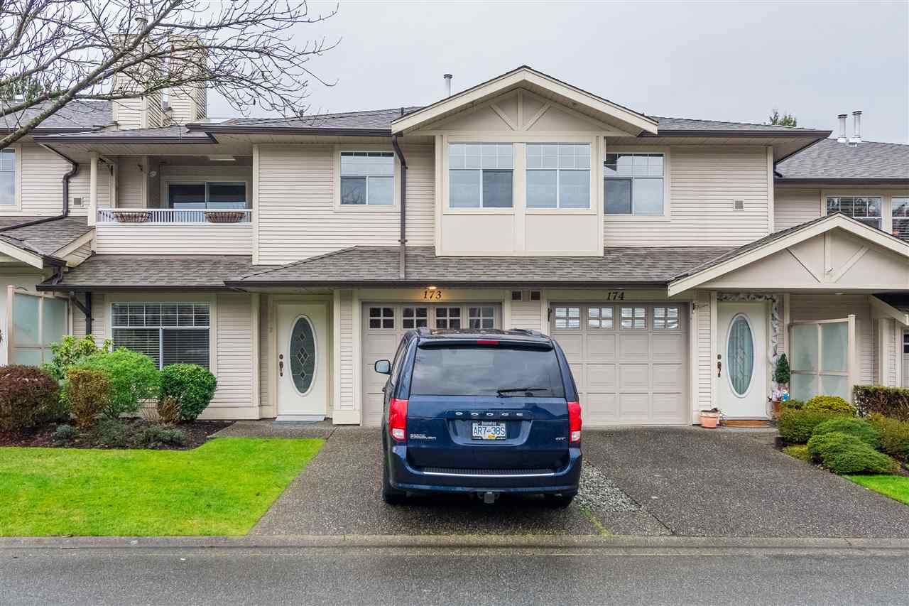 "Main Photo: 173 20391 96 Avenue in Langley: Walnut Grove Townhouse for sale in ""CHELSEA GREEN"" : MLS®# R2346169"