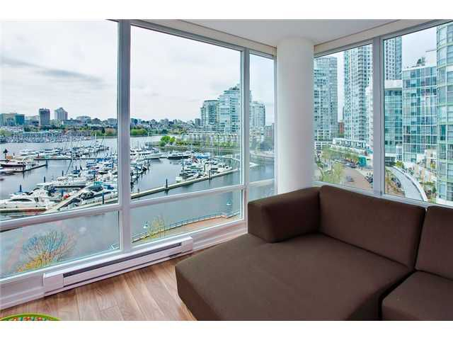 Main Photo: 803 1067 MARINASIDE Crest in Vancouver: Yaletown Condo for sale (Vancouver West)  : MLS®# V948087
