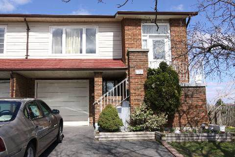 Main Photo: 140 Weybridge Trail in Brampton: Madoc House (Backsplit 5) for sale : MLS®# W2892437