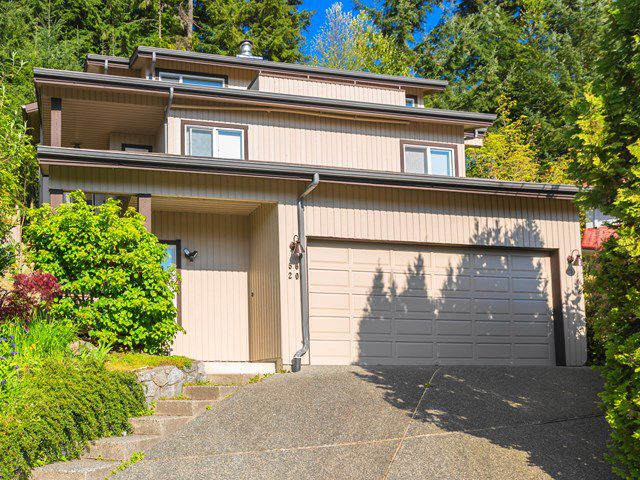 Main Photo: 5620 EAGLE Court in North Vancouver: Grouse Woods House for sale : MLS®# V1140825