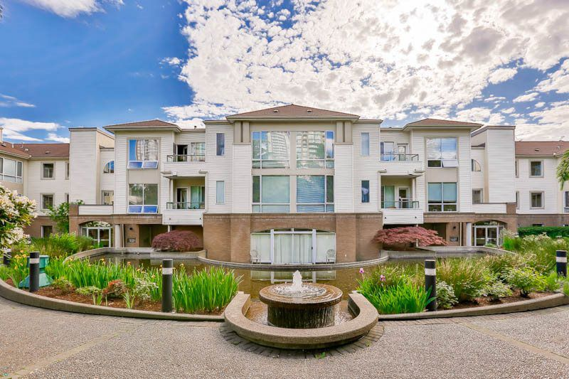 """Main Photo: 303 6742 STATION HILL Court in Burnaby: South Slope Condo for sale in """"WYNDHAM COURT"""" (Burnaby South)  : MLS®# R2064009"""