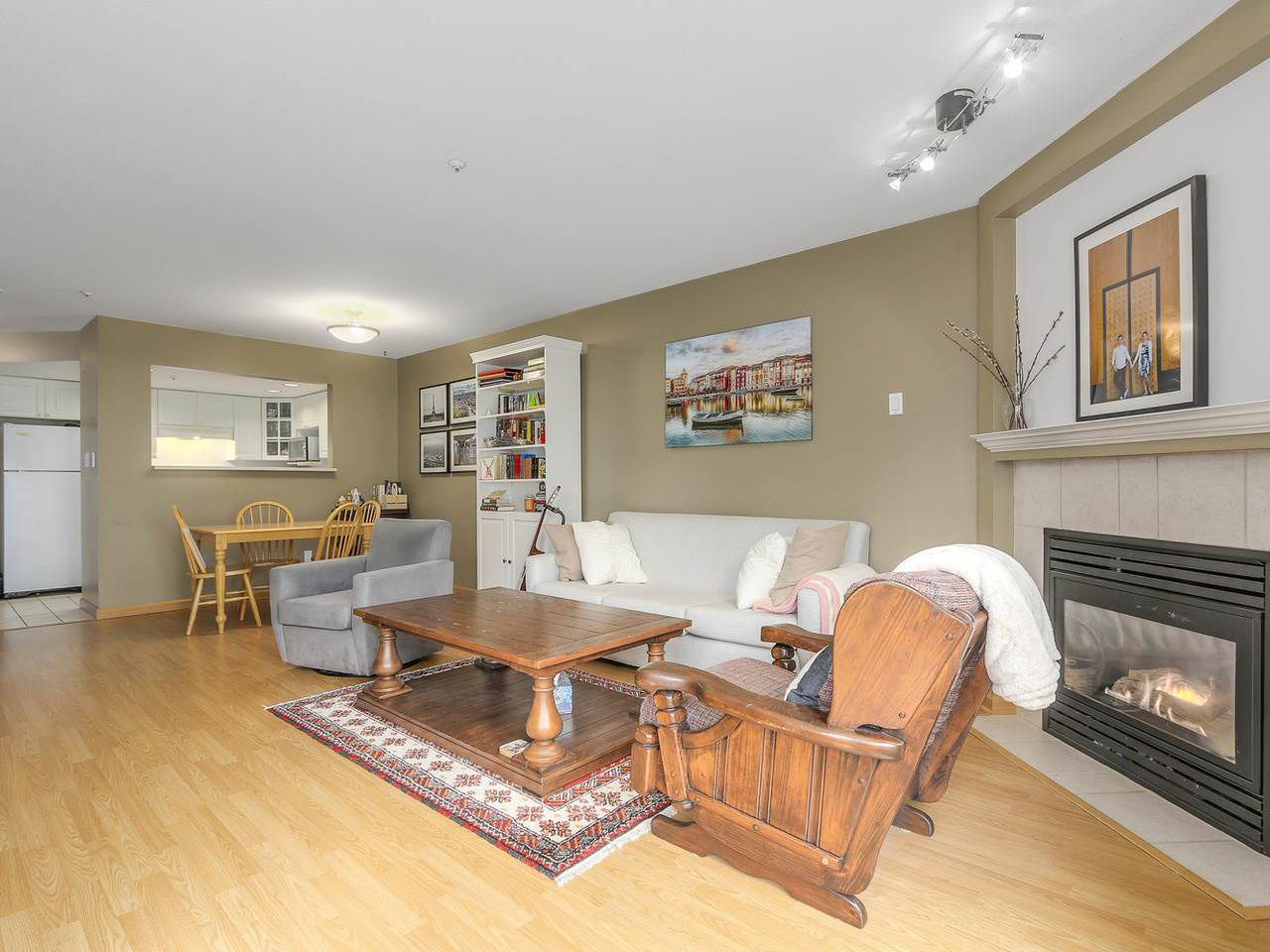 "Main Photo: 303 789 W 16TH Avenue in Vancouver: Fairview VW Condo for sale in ""Sixteen Willows"" (Vancouver West)  : MLS®# R2115964"