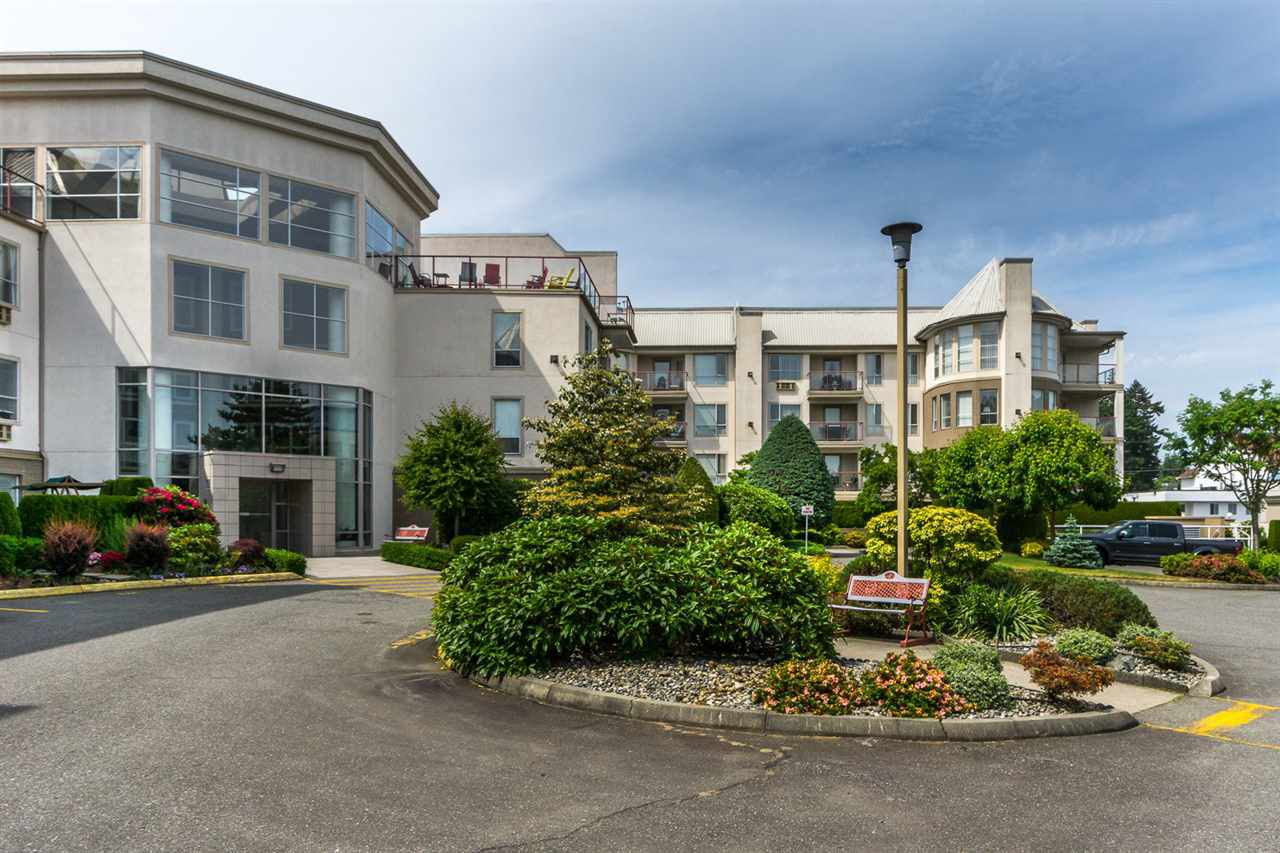 "Main Photo: 101 2626 COUNTESS Street in Abbotsford: Abbotsford West Condo for sale in ""Wedgewood"" : MLS®# R2173351"