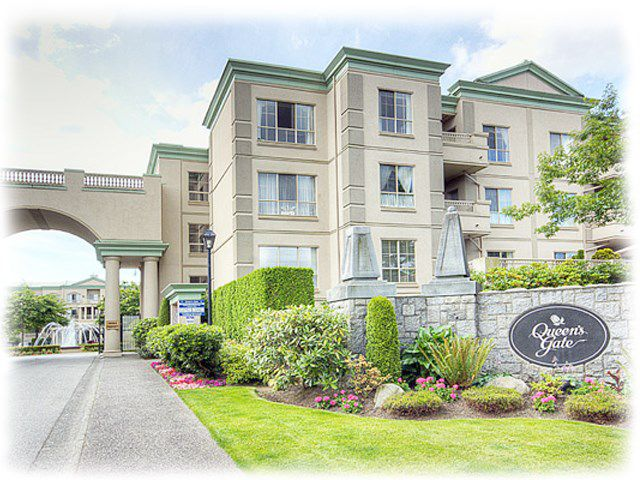 "Main Photo: 118 8580 GENERAL CURRIE Road in Richmond: Brighouse South Condo for sale in ""QUEEN'S GATE"" : MLS®# R2205395"