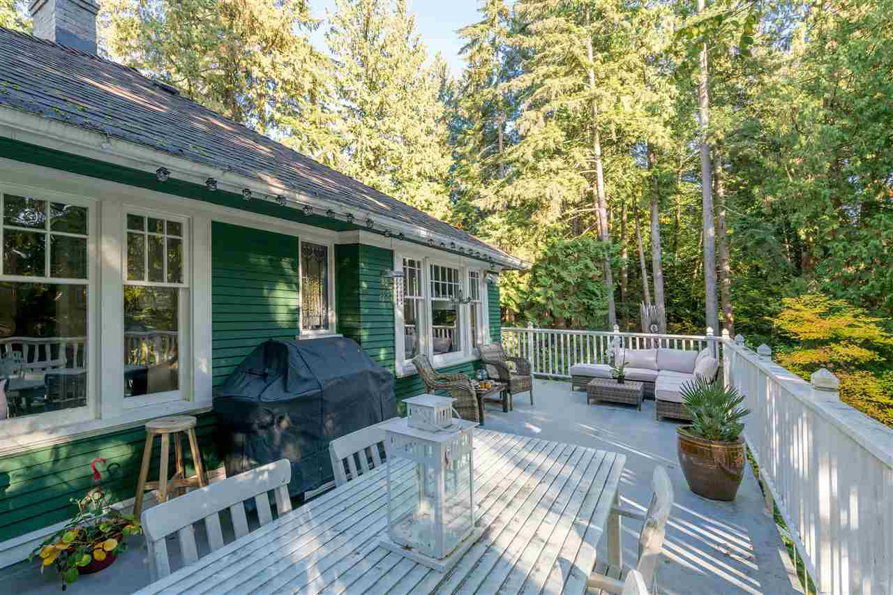 Main Photo: 461 E ST. JAMES Road in North Vancouver: Upper Lonsdale House for sale : MLS®# R2217635
