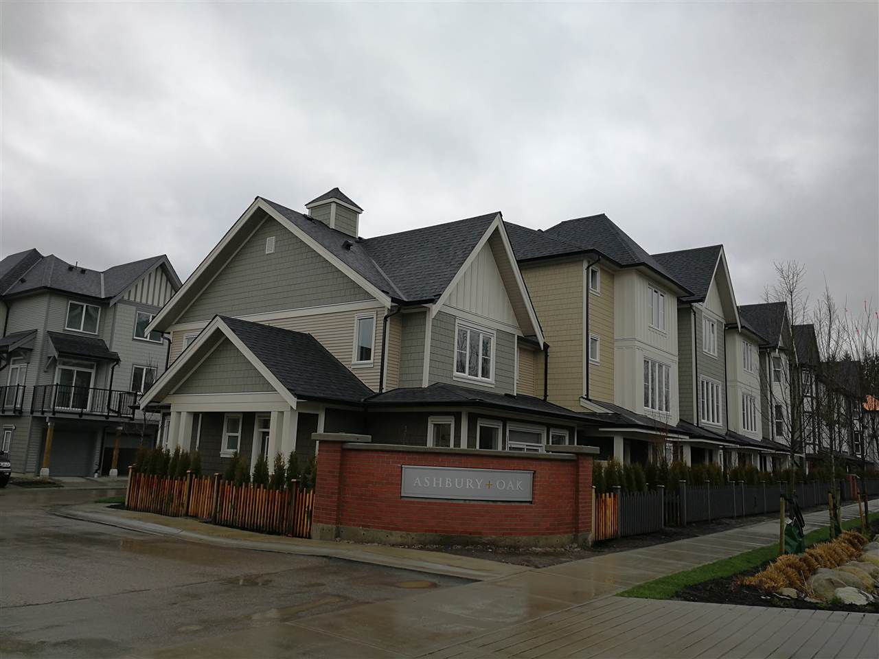 "Main Photo: 6 8050 204 Street in Langley: Willoughby Heights Townhouse for sale in ""Ashbury + Oak South"" : MLS®# R2237633"