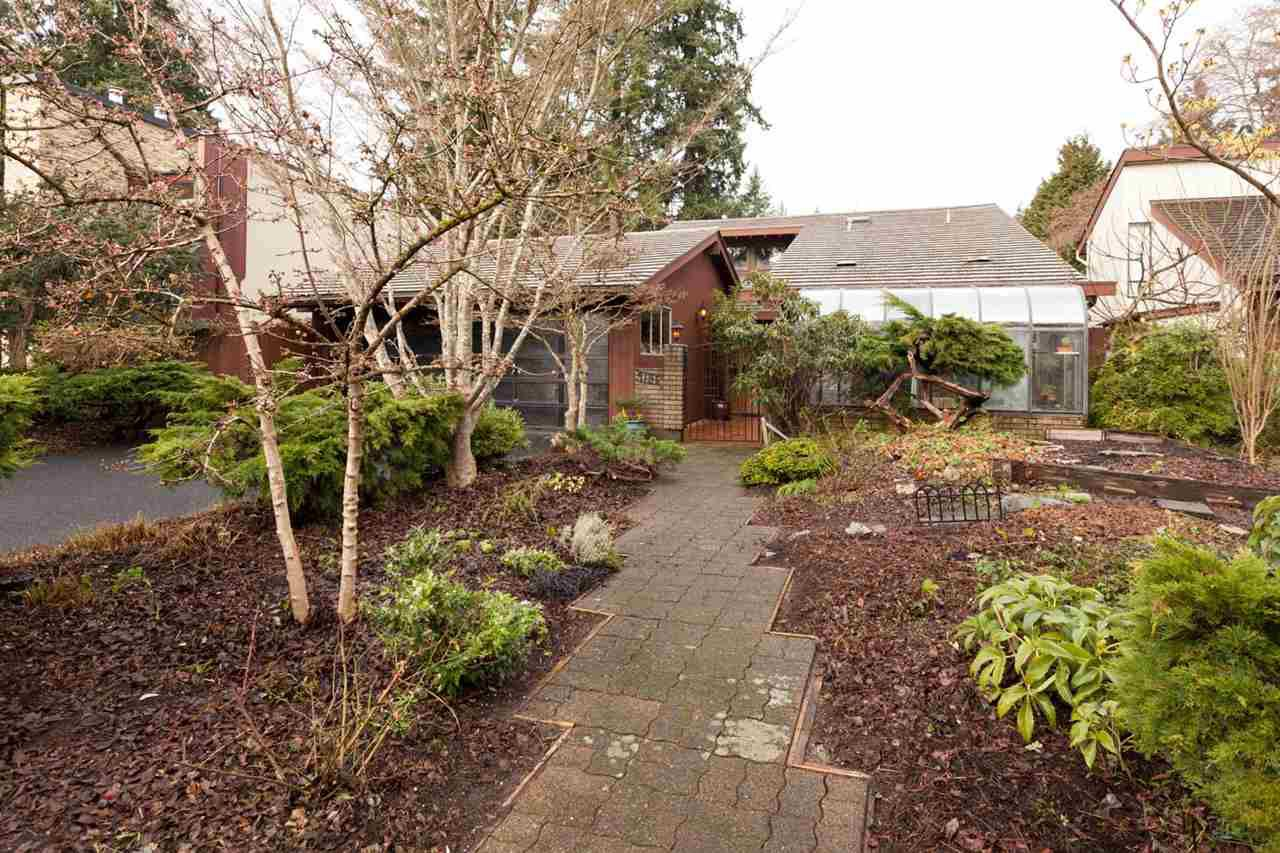 "Main Photo: 4195 DONCASTER Way in Vancouver: Dunbar House for sale in ""DUNBAR"" (Vancouver West)  : MLS®# R2238162"