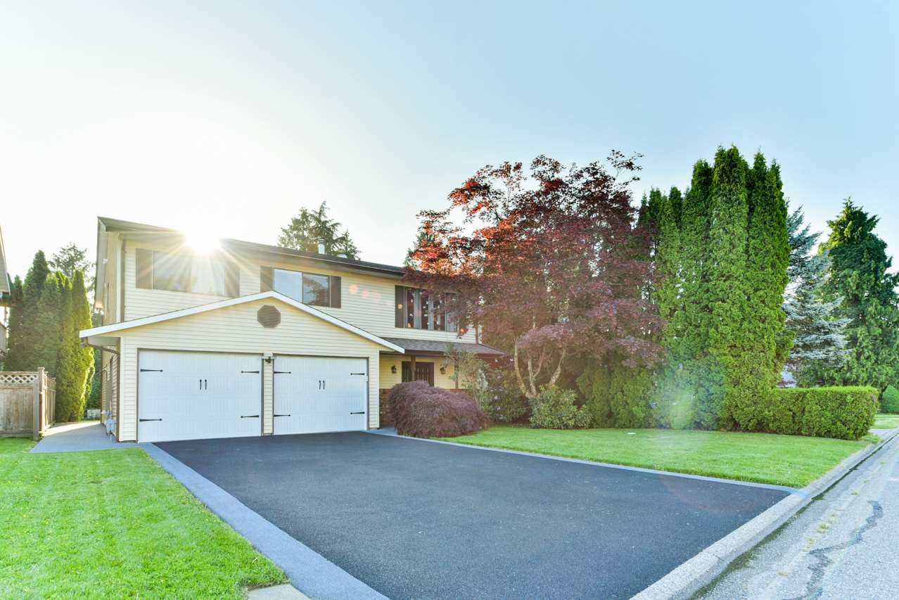 Main Photo: 12141 234 Street in Maple Ridge: East Central House for sale : MLS®# R2269850