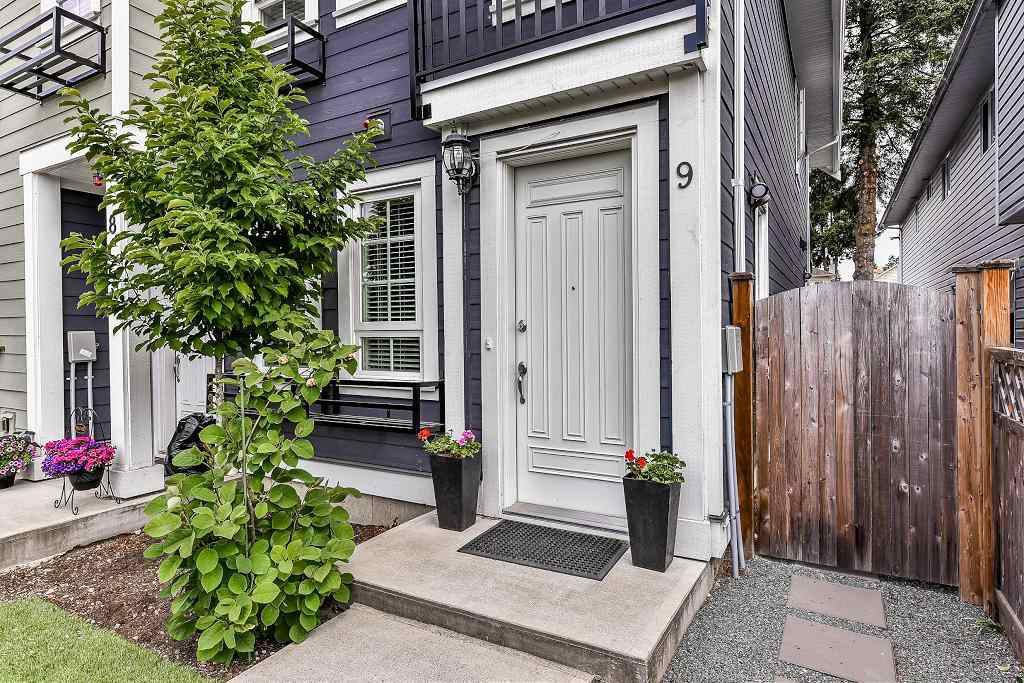 Main Photo: 9 1935 MANNING Avenue in Port Coquitlam: Glenwood PQ Townhouse for sale : MLS®# R2273912