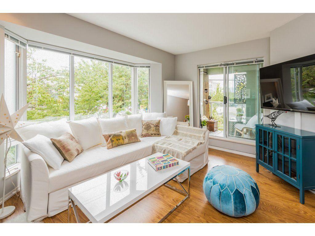 "Main Photo: 206 2195 W 5TH Avenue in Vancouver: Kitsilano Condo for sale in ""The Hearthstone"" (Vancouver West)  : MLS®# R2288424"