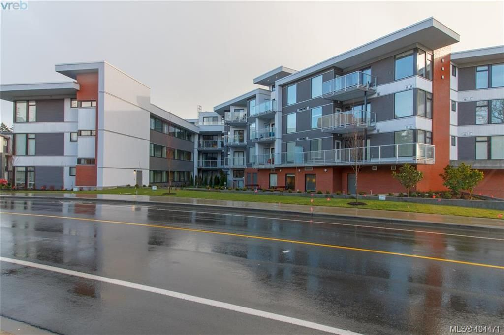Main Photo: 215 950 Whirlaway Crescent in VICTORIA: La Florence Lake Condo Apartment for sale (Langford)  : MLS®# 404471